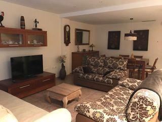 Comedor completo, habitaciones, muebles varios