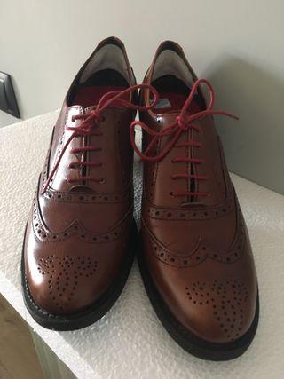 Zapatos de corte italiano con cordones. NUEVOS