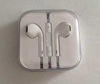 Auriculares iPhone. A estrenar