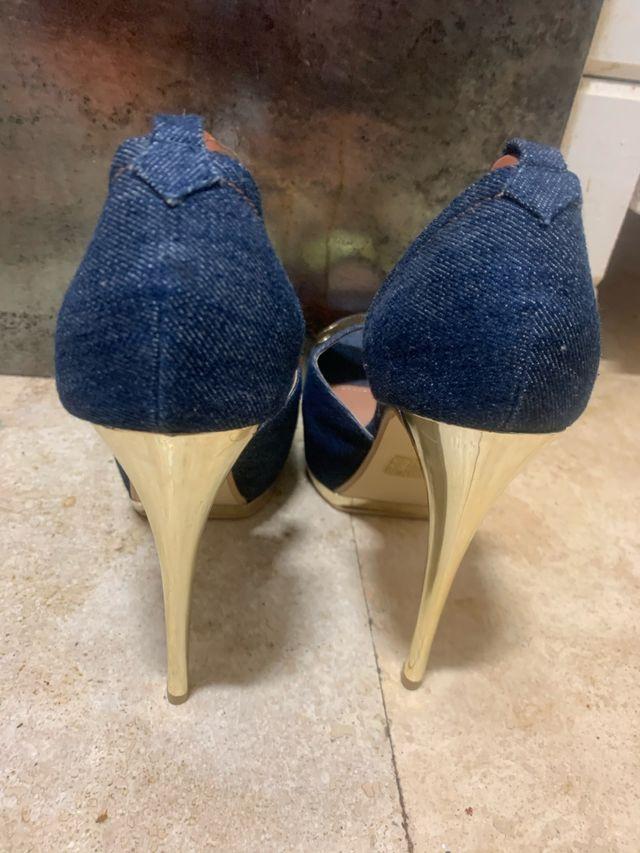 Tacones oro jean