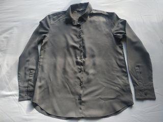 Chemise Uniqlo couleur gris foncé taille XS