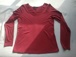 T-shirt rouge manches longues taille S