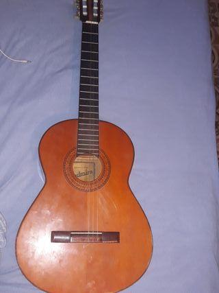 Guitarra admira