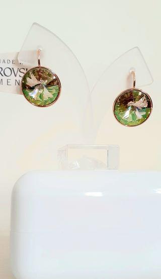 pendientes bañados en oro con cristal de Swarovski