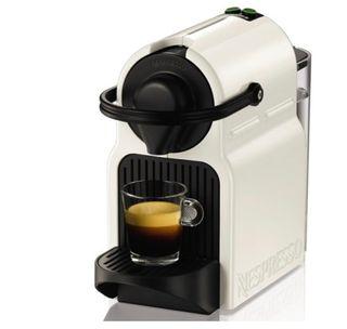 Cafetera Nespresso con Calentador leche Nespresso