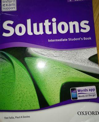 Solutions Intermediate student book. 2. edicion