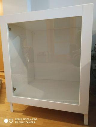 Mueble vitrina Ikea