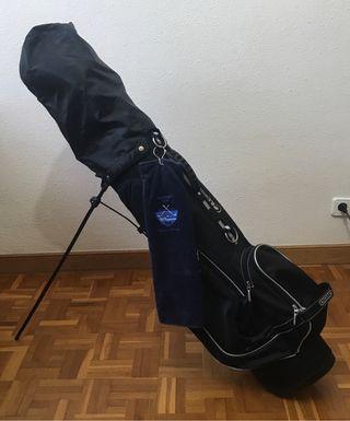 Conjunto de palos de golf con su bolso