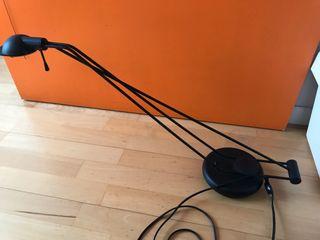 Lámpara de mesa negra ACAPRI