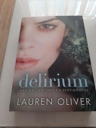 Novela nueva DELIRIUM