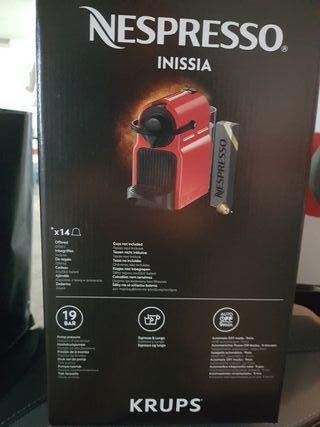 Cafetera Nespresso Krups Inissia (nueva)