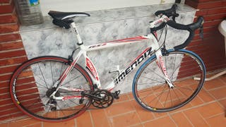 Se vende bicicleta de carretera. Mendiz RS2