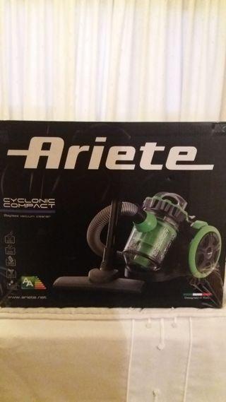Aspirador Ariete cyclonic compact