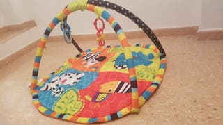 parque infantil de juegos