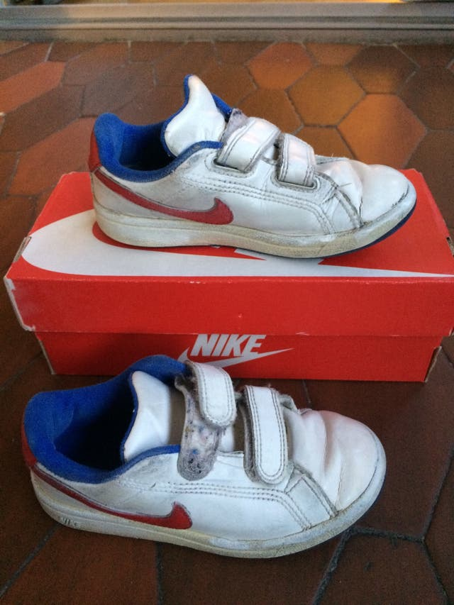 Declaración Grande gas  Zapatillas Nike talla 28 niño de segunda mano por 10 € en Madrid en WALLAPOP