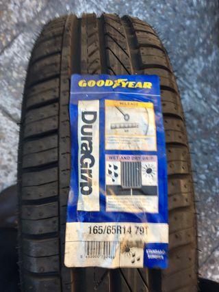 Neumáticos GoodYear 165-65-14 NUEVOS