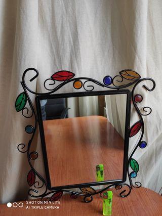 Espejo adornado