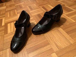 zapatos de charol y piel