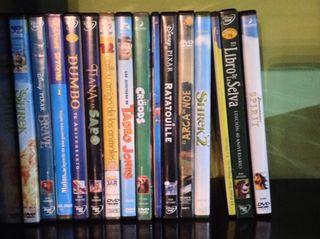 Pack DVDs de 15 películas infantiles.