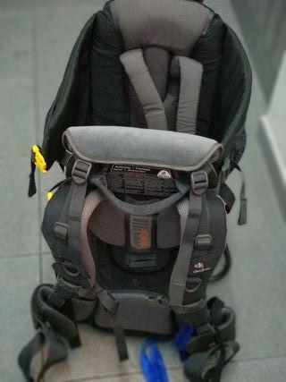 mochila portabebes senderismo