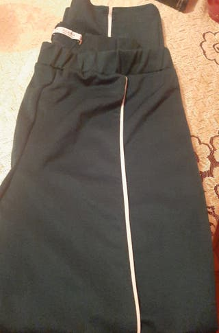 pantalón de chándal verde militar