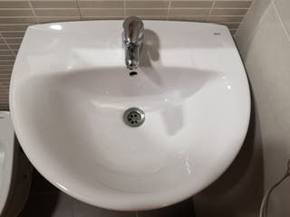 lavabo Roca con pie y grifo incluido