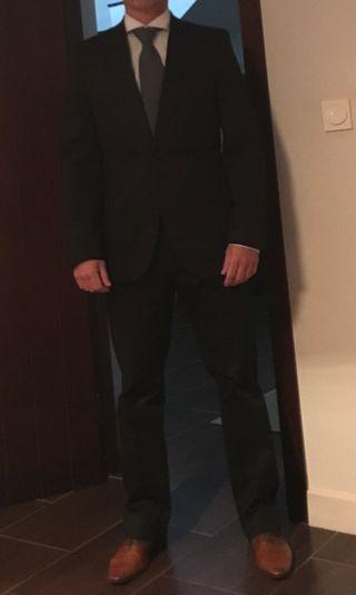 Traje chaqueta negro