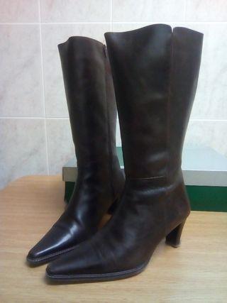 Botas piel caña alta N 41