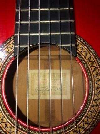 Guitarra hermanos conde del 94