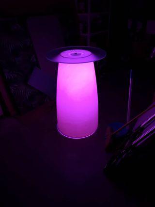 Mesa con luz en polietileno