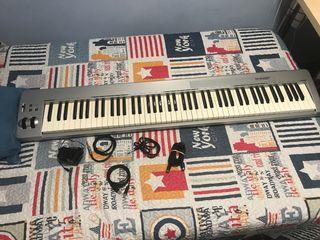 Piano M-Audio KeyStation 88es. Teclado Midi