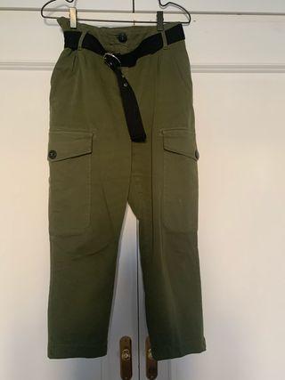 Pantalon cargo con con cinto Bershka