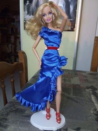 Muñeca Barbie articulada