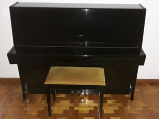 Piano vertical PETROF P-115