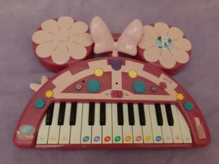 Piano Minnie Mouse