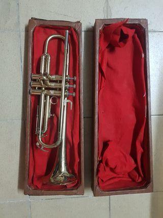 trompeta para decoración
