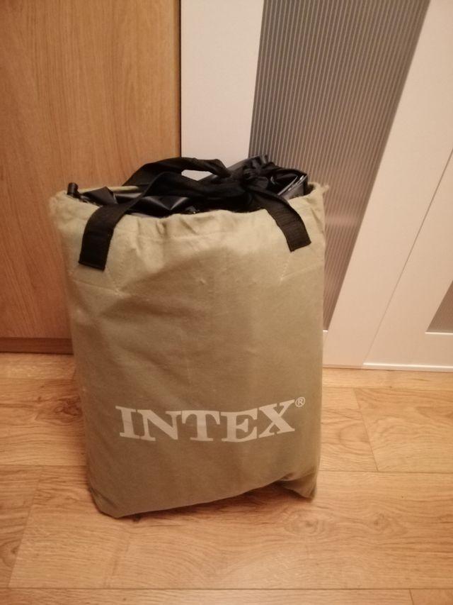 Two Intex Air matress