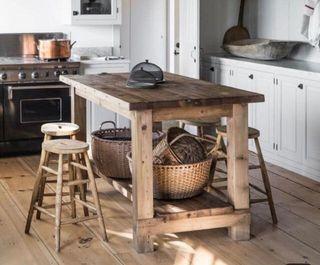 Isla de cocina mesa alta madera pales