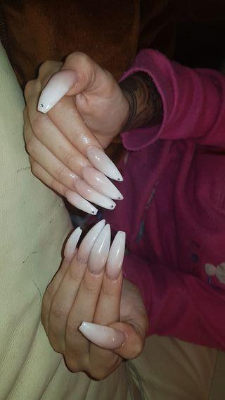 Técnico en manicura y pedicura