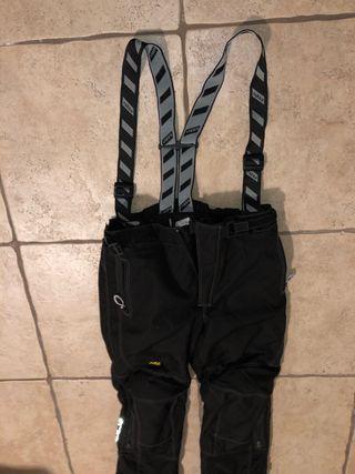 Pantalones RUKKA. Talla M