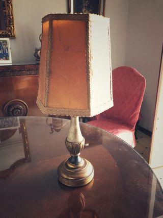 Lámpara antigua mesita de noche pantalla