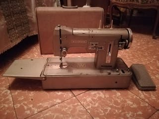 Máquina de coser wertheim