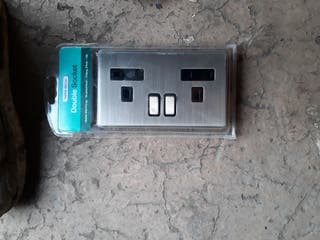 usb double socket x2 and normal double sockets