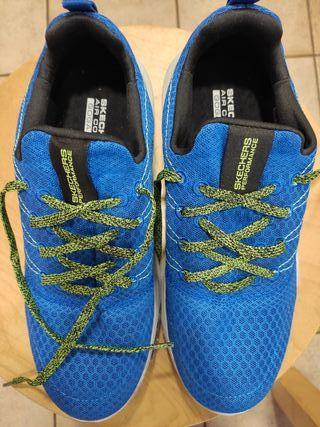 Zapatillas deportivas de segunda mano en Castellar del