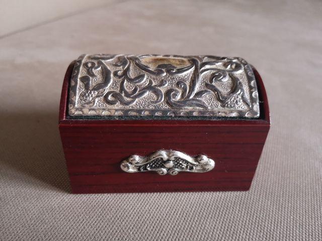 Caja estilo antiguo