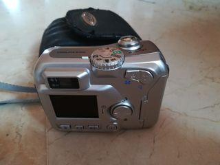 cámara digital Nikon en perfecto estado
