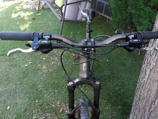 """Bicicleta de montaña""""Mondraker"""""""