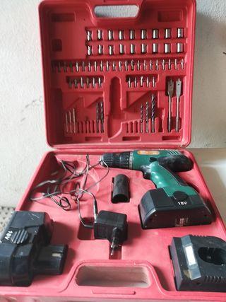 maletín de herramientas con taladro inalámbrico