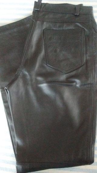 Pantalón de cuero