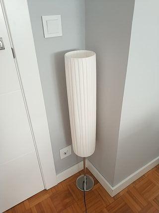 lámpara de pie 30€